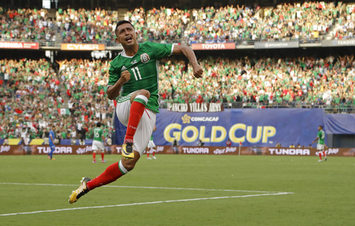 Elias Hernandez leads Mexico past El Salvador 3-1