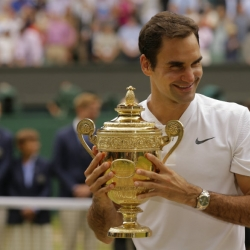 Federer tells AP he 'can't think too far ahead' nowadays