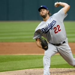 Kershaw pitches 7 scoreless innings, Dodgers edge Chicago