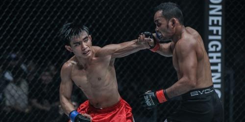 Joshua Pacio stands toe-to-toe with a Muay Thai legend