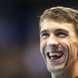 Phelps loses by 2 seconds to simulated shark in 'Shark Week'