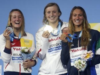 Ledecky breezes to 3rd worlds gold, brash King wins again