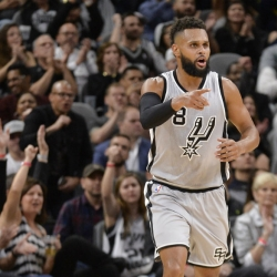 San Antonio Spurs officially re-sign Patty Mills