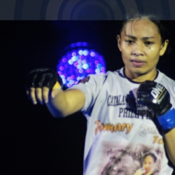 WATCH: Jomary Torres chokes out Rika Ishige in Macau