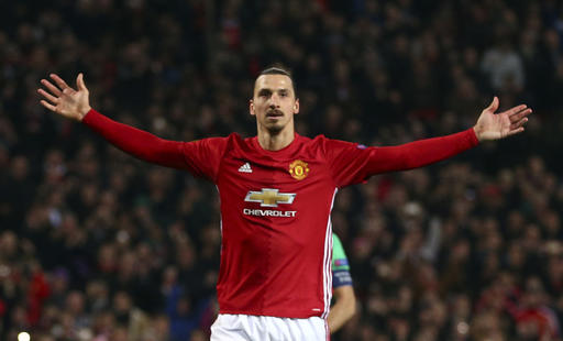 United in talks with Ibrahimovic about striker staying