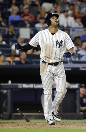 Hicks hits late 2-run homer to lift Yankees over Red Sox