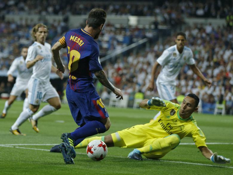 Zinedine Zidane extends Real Madrid contract