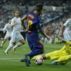 Madrid beats Barca 2-0 without Ronaldo to win Super Cup