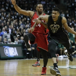 Bucks' Antetokounmpo out for Eurobasket with knee injury