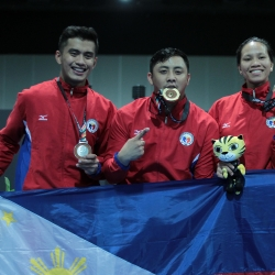 Louie adds another gold for PHI after men's foil conquest