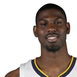 Pacers sign Alex Poythress to two-way deal