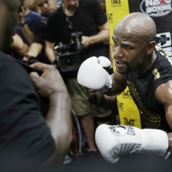 Floyd Mayweather is money, and this should be easy money