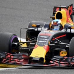 Baffling paradox between Verstappen & Ricciardo at Red Bull