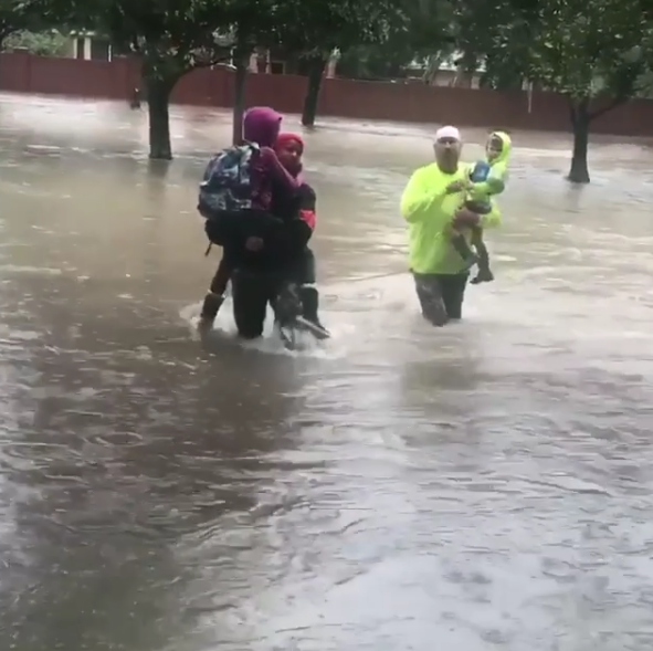 MMA fighter heroically rescues flood victims in Houston