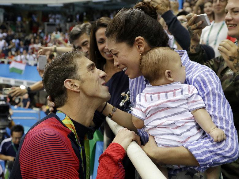 Michael Phelps, Wife Nicole Announce Pregnancy on Instagram
