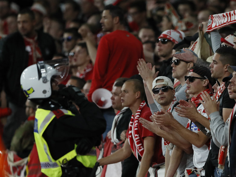 Wenger surprised game played amid Cologne chaos at Arsenal
