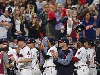 Royals beat Indians 4-3 to halt Cleveland's record streak
