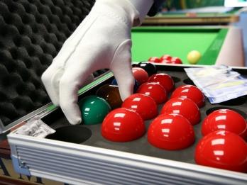 Centeno advances to AIMAG pool final