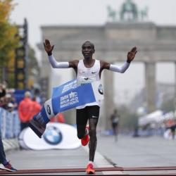 Olympic champion Eliud Kipchoge wins Berlin Marathon