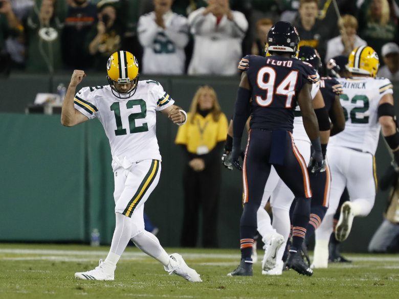 Injury-riddled Packers beat mistake-prone Bears 35-14