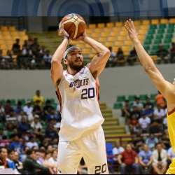Bolts shock Hotshots to take early semis lead