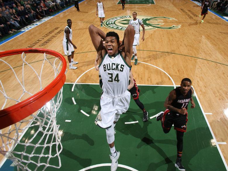 Giannis Antetokounmpo strong in return, but Bulls keep Milwaukee winless in preseason
