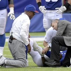Beckham Jr. breaks left ankle, Watt breaks left leg