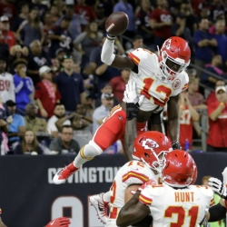 Undefeated Chiefs beat Texans 42-34