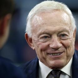 Cowboys' Jerry Jones reignites protest conversation in NFL