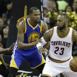 Cavs, Warriors gear up to begin championship quests again