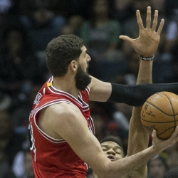 Report: Mirotic out indefinitely after fight with Portis
