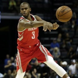 Rockets' Chris Paul still dealing with bruised left knee