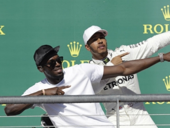 Hamilton wins US Grand Prix to extend F1 championship lead