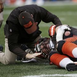 Browns' Thomas having season-ending surgery, future blurry