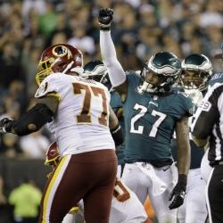 Wentz tosses 4 TDs, Eagles beat Redskins 34-24