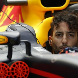Ricciardo puts Red Bull on top of 2nd practice in Mexico