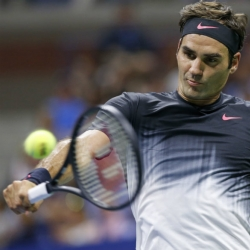 Federer advances to Swiss Indoors final against del Potro