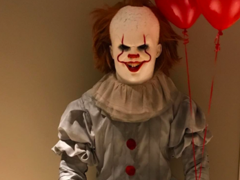 LOOK: LeBron dresses up as Pennywise for Halloween