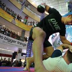 ONE champ Aung La N Sang leads open workout in Myanmar