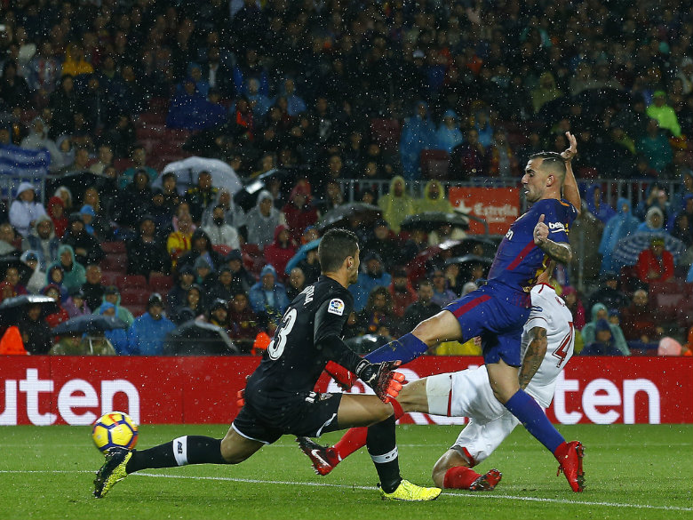 Alcacer shines in Messi's 600th game for Barcelona