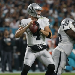 Carr throws for 300 yards to help Oakland beat Miami 27-24