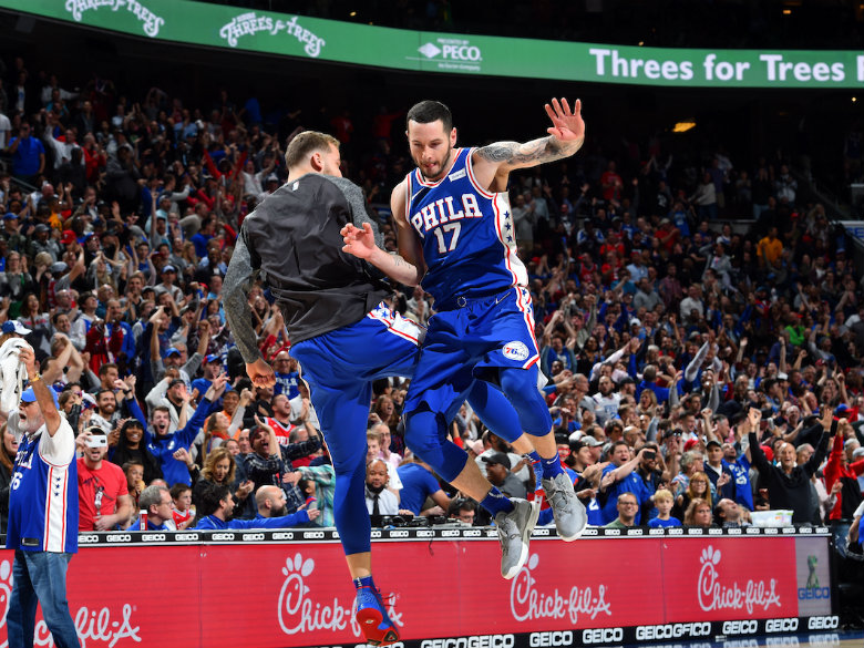 Redick's 3s, Simmons' triple-double lead 76ers over Pacers