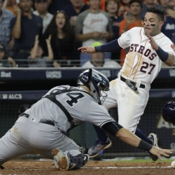 Jose Altuve voted best by players for 2nd year in a row