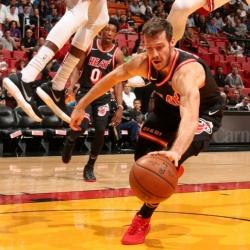 Goran Dragic scores season-high 29, Heat beat Suns 126-115