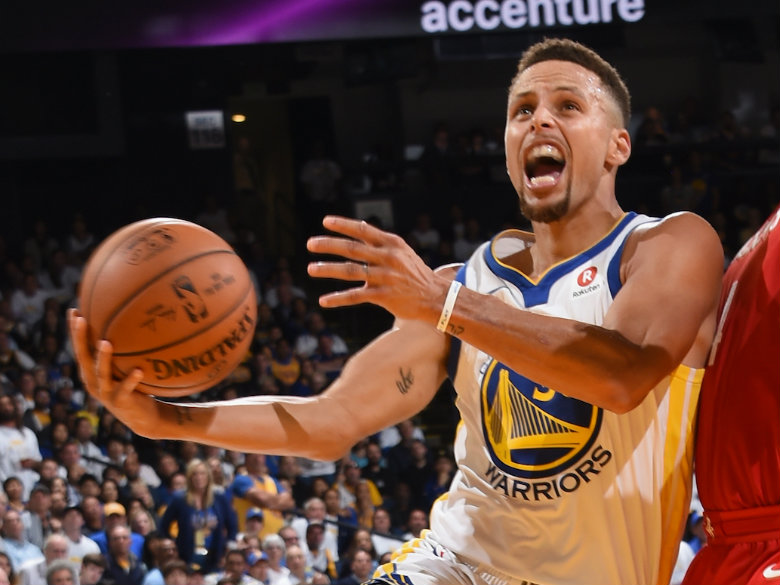 Curry, Thompson find their touch as Warriors beat T-Wolves