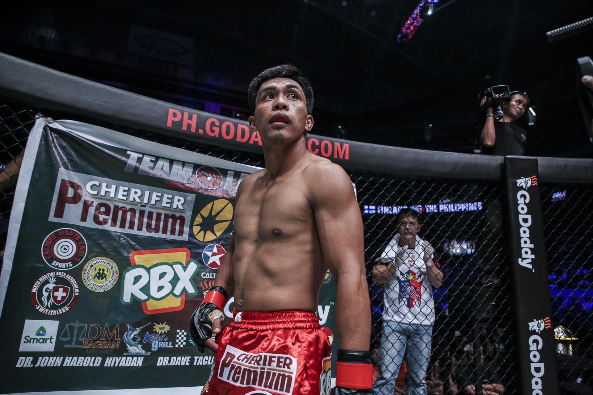 Kevin Belingon decisions Kevin Chung for fourth straight win