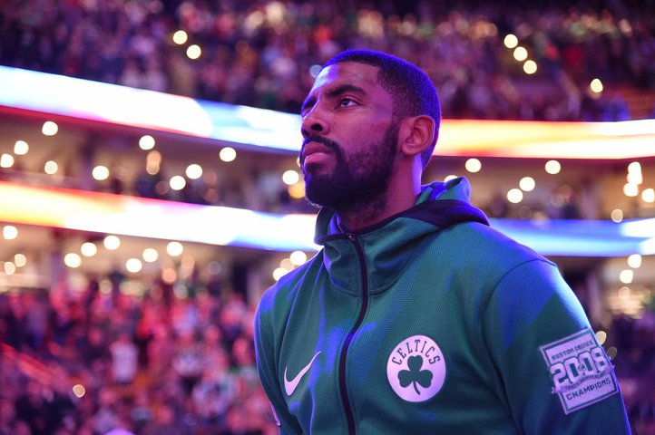 Celtics' Irving exits after taking elbow to his face
