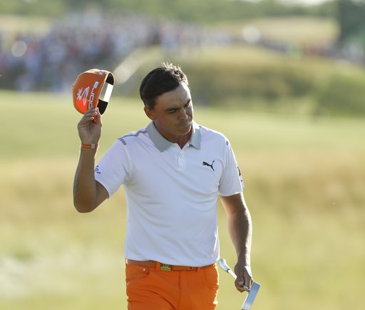 Fowler in 3-way tie for lead in Mexico