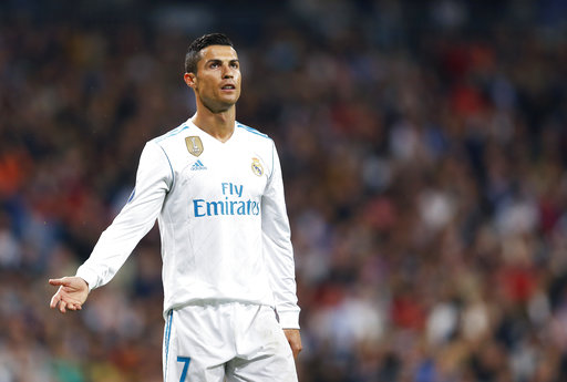 Ronaldo says he's father of baby girl