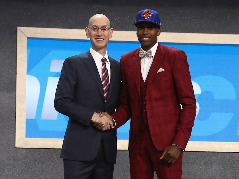 LeBron: Smith comments a shot at Phil Jackson, not Ntilikina